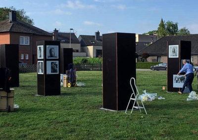 Lens op de Mens 2019 | foto's ophangen op de route | naast CC Palethe